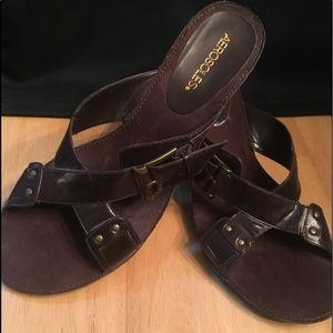 Aerosoles  NEW sz 10 1/2 brown strap sandals heel